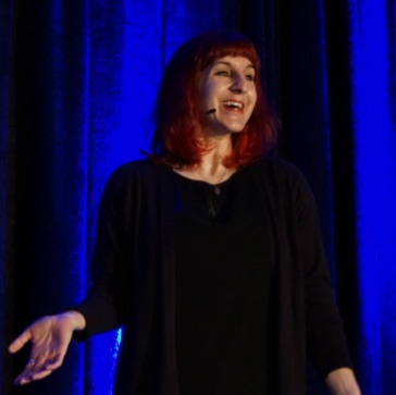 Val Head speaking at AEA - Photo by Jeffrey Zeldman