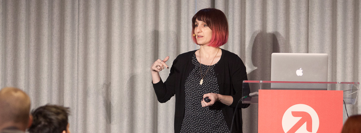 Val Head at FOWD London